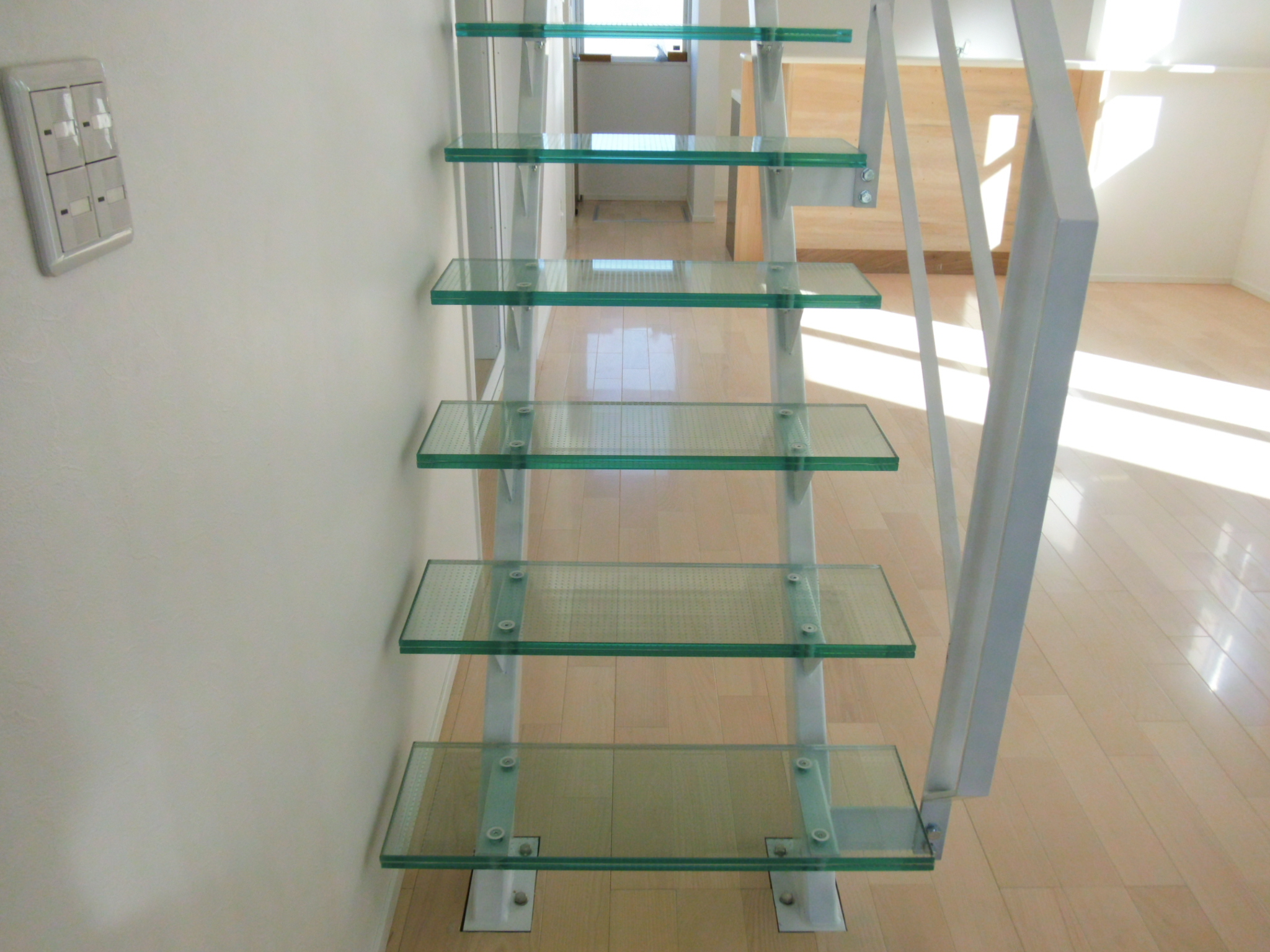 当社限定販売!磨きガラスのシャンデリアパーツリフォーム、注文建築に強化ガラス階段